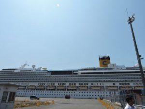 八代港の大型クルーズ船