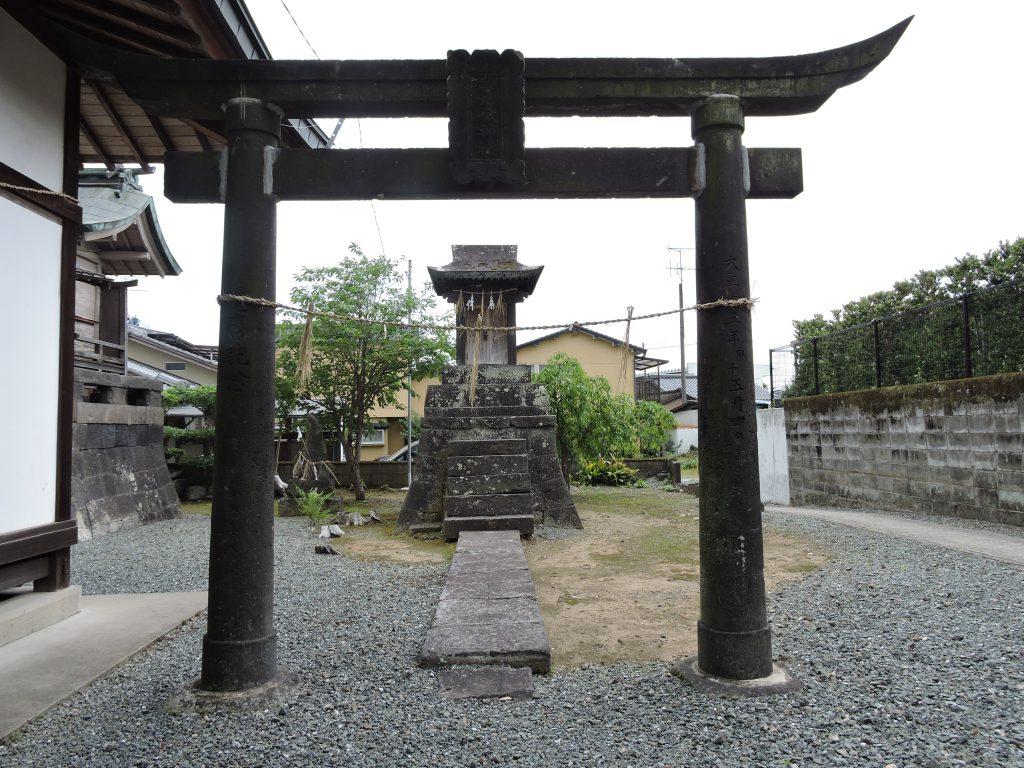 社内社:東原稲荷神社(山鹿市)