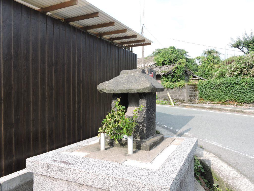 阿蘇神社(阿蘇市)参道の地蔵