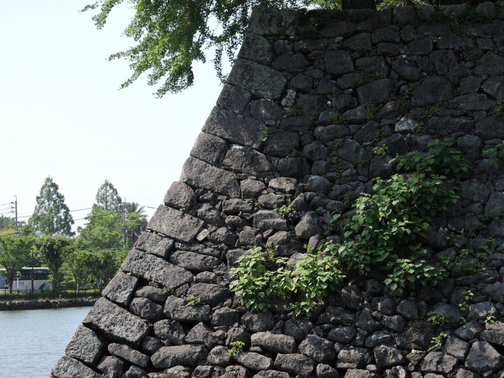 松江城の石垣(八代城址群)